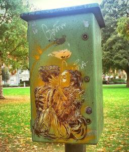 C215 Stencil Zurich kiss le Bisou